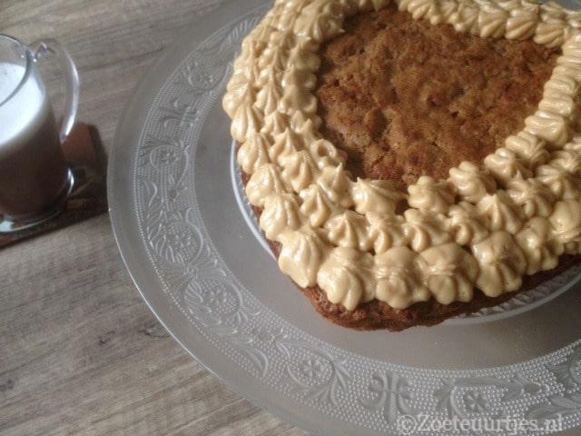 worteltaart met mascarpone koffie créme