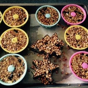 Vogelvoer in cakevormpjes