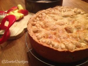 appeltaart met abrikozen en amandelspijs