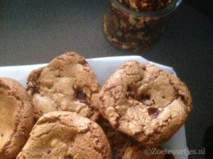 koek met chocola en noten