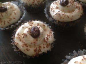 brownie cupcakes met mascarpone frosting