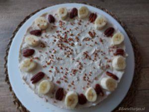 monchoutaart met banaan en kokos